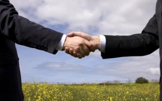 Кто составляет договор купли продажи земельного участка